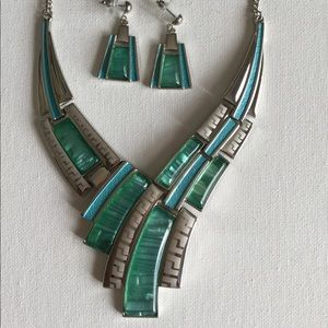 Beautiful Geometric Necklace Set